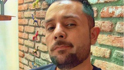 Ricardo Casares ha tenido que conectarse a un tanque de oxígeno durante su batalla contra el COVID-19  (IG: ricardocasares)