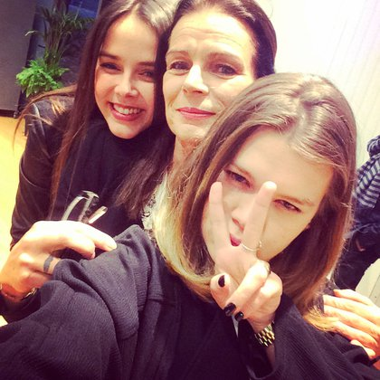 Pauline, Estefanía y Camille (Foto: Instagram @paulinedcrt)
