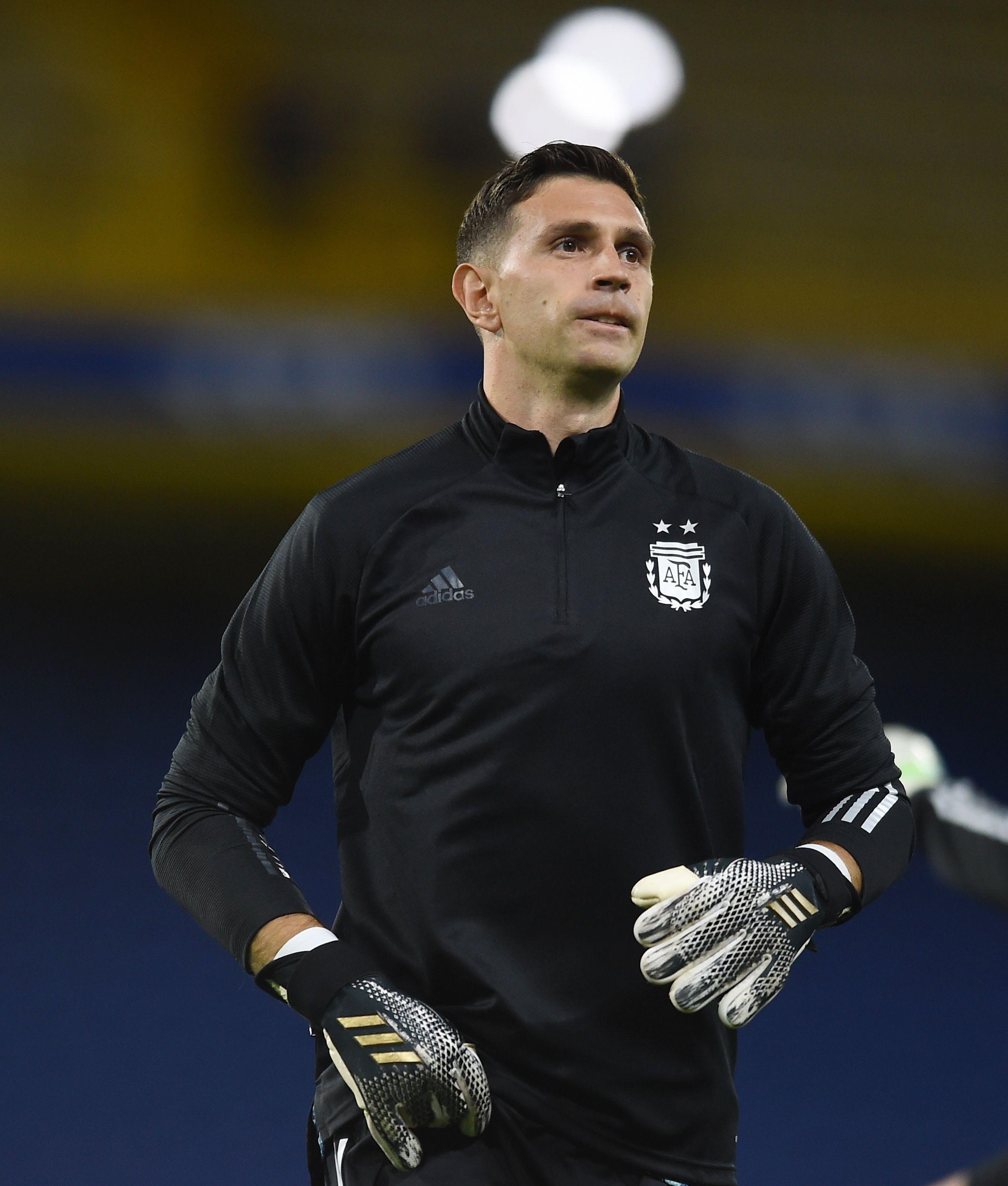 El Dibu Martínez tendrá su estreno con la selección argentina (Foto: Reuters)