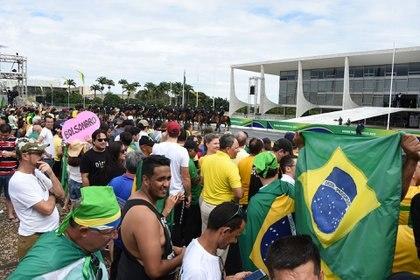 Los bolsonaristas, frente al Palacio del Planalto (EVARISTO SA / AFP)