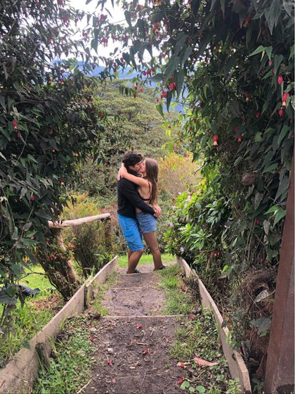 La foto que confirmó el romance de Michelle Renaud y Danilo Carrera en junio de 2019 (Instagram)