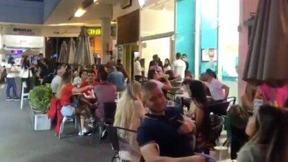 Con ocupación de UCI cercana al 100%, denuncian restaurantes llenos y aglomeraciones en el sector de El Poblado en Medellín