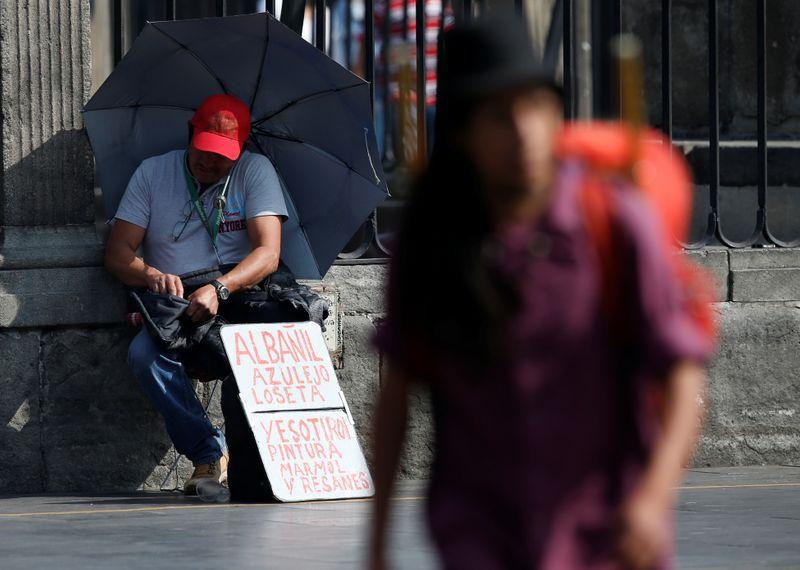 La mandataria refirió que se hará una consulta para que los vecinos definan si quieren que se lleve a cabo las modificaciones, ya que esto supondría cambiar escrituras y otras cuestiones administrativas (Foto: Reuters / Henry Romero)