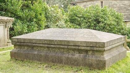 Los fanáticos de la autora de la obra literaria también visitan sus restos en Inglaterra (Getty Images)
