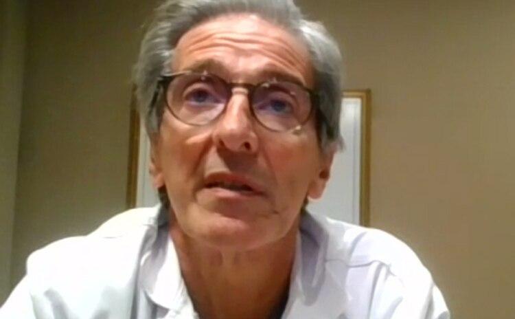 El doctor Fernando Iúdica, director médico del Hospital Universitario Austral, moderó la actividad