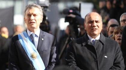 El presidente Mauricio Macri y el gobernador de Tucumán, Juan Manzur (Nicolás Nuñez)