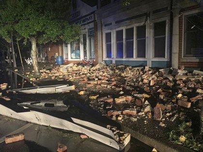 Los destrozos ante el impacto del huracán en Southport, Carolina del Norte (AP)