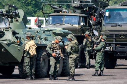 Membri delle Forze Armate Bolivariane del Venezuela.  EFE / Johnny Barra / Archive