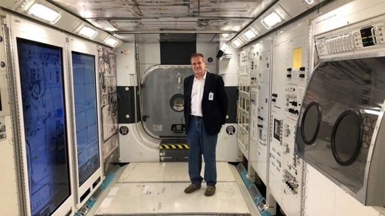 El Doctor Stephan Moll ayudó a la tripulación de la NASA a saber cómo racionar el abastecimiento disponible en la EEI (Foto: UNC School of Medicine)