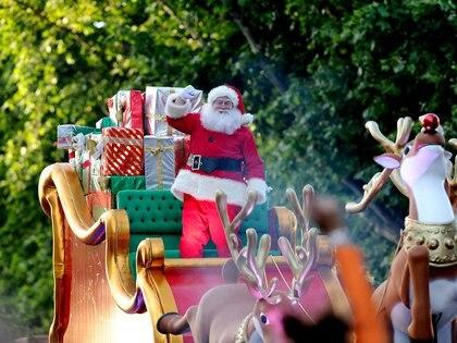 Papa Noel se convirtió en el protagonista principal del desfile