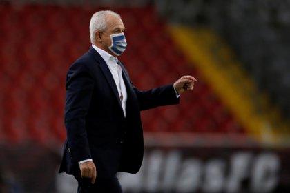 Javier Aguirre reconoció no ha convencido a delanteros de Rayados para superar falta de contundencia  (Foto: Francisco Guasco/ EFE)