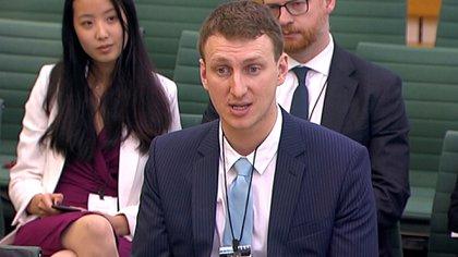 Kogan respondió preguntas de los parlamentarios británicos (Reuters)