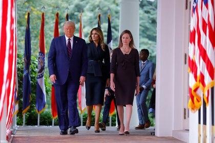 El presidente de los Estados Unidos, Donald Trump, confirmó como su candidata a la Corte Suprema de los Estados Unidos a Amy Coney Barrett durante un acto en la Casa Blanca (REUTERS)