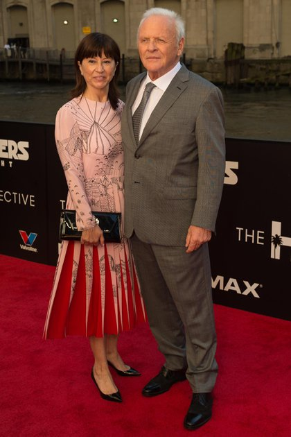Anthony Hopkins y Stella Arroyave (Shutterstock)