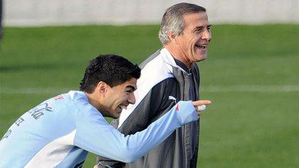 Tabárez confía en que Suárez llegará en condiciones al Mundial