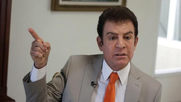 Juan Orlando Hernández toma la ventaja sobre Salvador Nasralla en elecciones