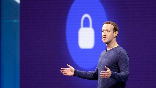 Tras presentarse ante el Congeso de los EE.UU., Mark Zuckerberg se comprometió a responder a estas preguntas, unas 2.000, que le hicieron llegar representantes y senadores. (AP)
