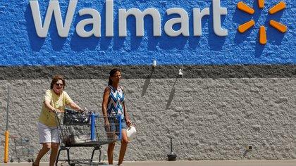 Walmart dejará de exigir mascarillas a empleados y clientes completamente vacunados contra el COVID-19 en Estados Unidos
