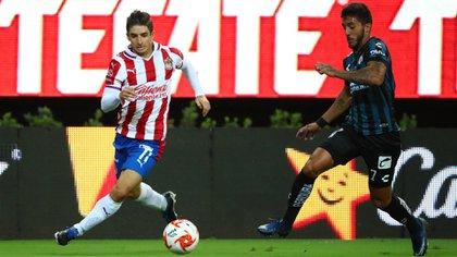 A pesar de la envergadura del duelo, el jugador de 30 años descartó que haya presión para este fin de semana (Foto: Twitter @Chivas)