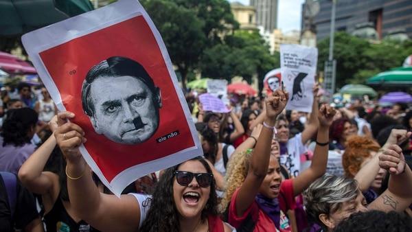 Manifestación contra Jair Bolsonaro(AFP PHOTO / Mauro Pimentel)
