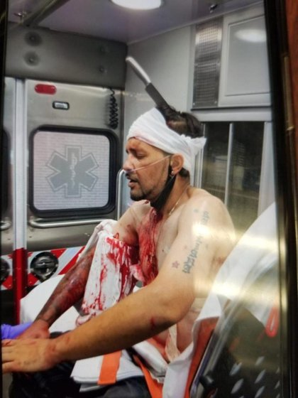 Pérez dentro de la ambulancia