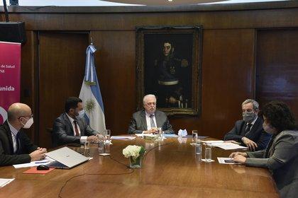 Ginés González García expuso desde el Ministerio de Salud