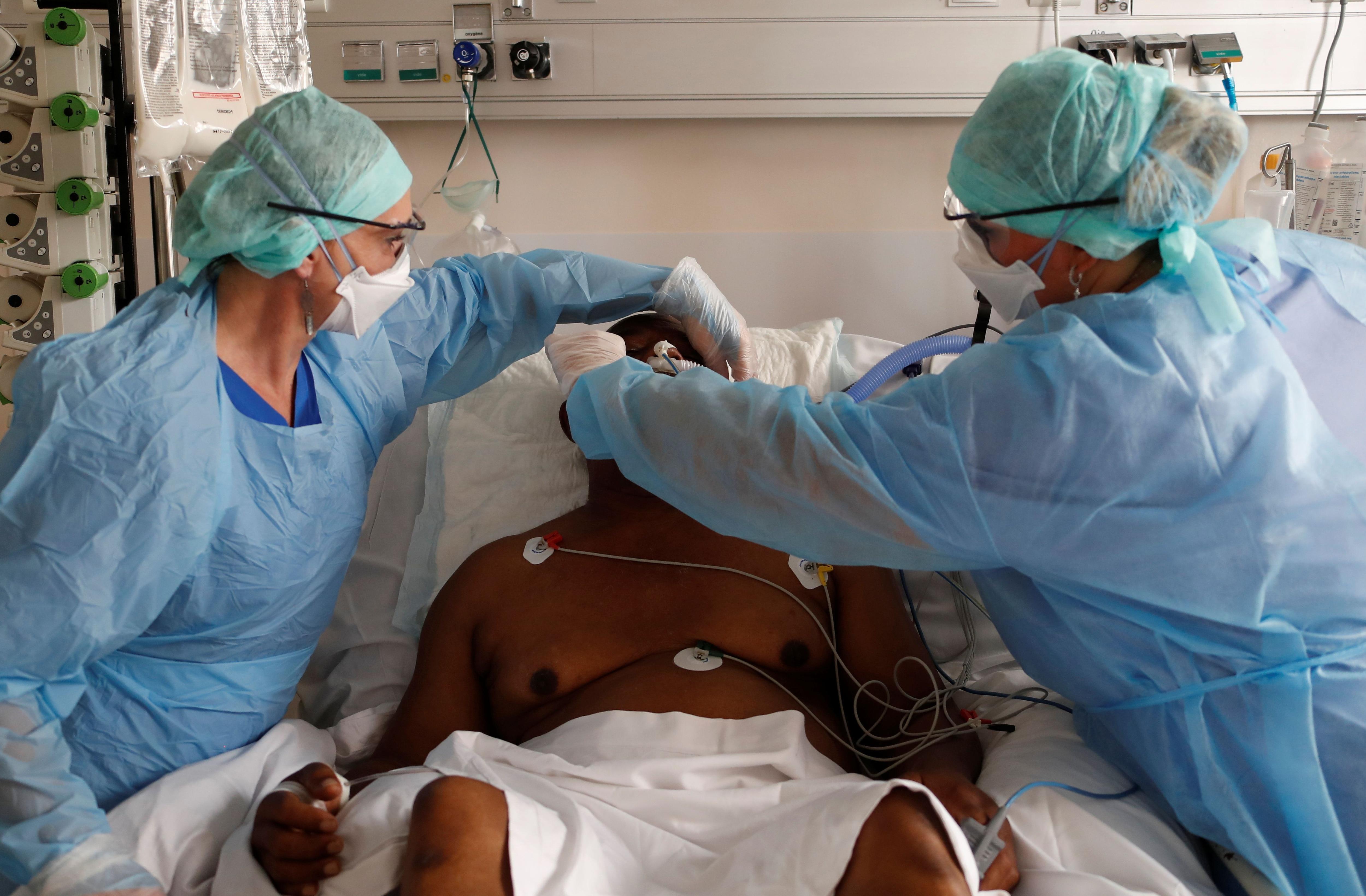 Cuidados intensivos en la pandemia (Reuters)