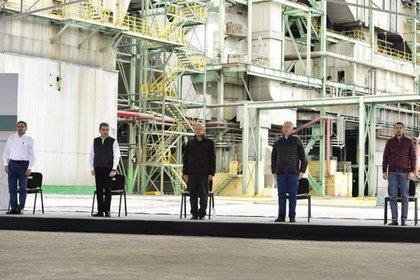 El ejecutivo federal  contempla edificar una nueva planta generadora que costará 120 millones de dólares y usará carbón (Foto: presidencia)