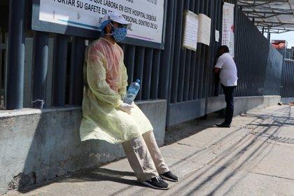 La Secretaría de Salud, por su parte, confirmó la muerte de 30 trabajadores (Foto: Reuters/Javier Verdin)