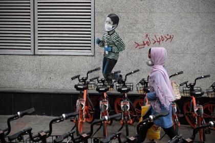 Segun un informe de la BBC, al 20 de junio murieron de coronavurs alrededor de 42.000 personas. La cifra contrasta con los más de 17.000 reportados por el régimen. Rouzbeh Fouladi/ZUMA Wire/dpa