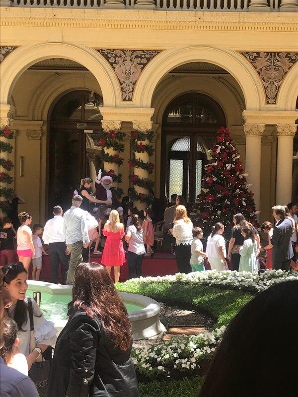 La Casa Rosada, con una inusual decoración navideña