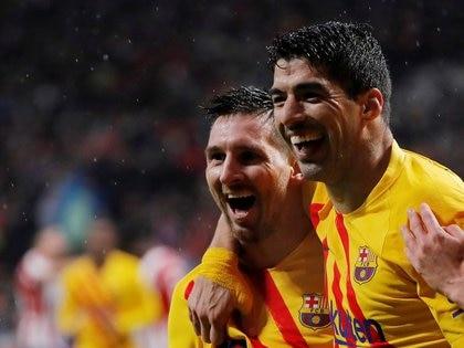 Otros tiempos para Messi y Suárez, juntos en el Barcelona (Reuters)