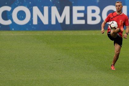 Mediocampista zurdo devenido lateral, hizo la mayor parte de su carrera en México (REUTERS/Jorge Adorno)