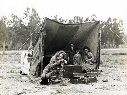 """El detrás de escena de """"Madre migrante"""" (Nipomo, Californien, febrero o marzo 1936)"""