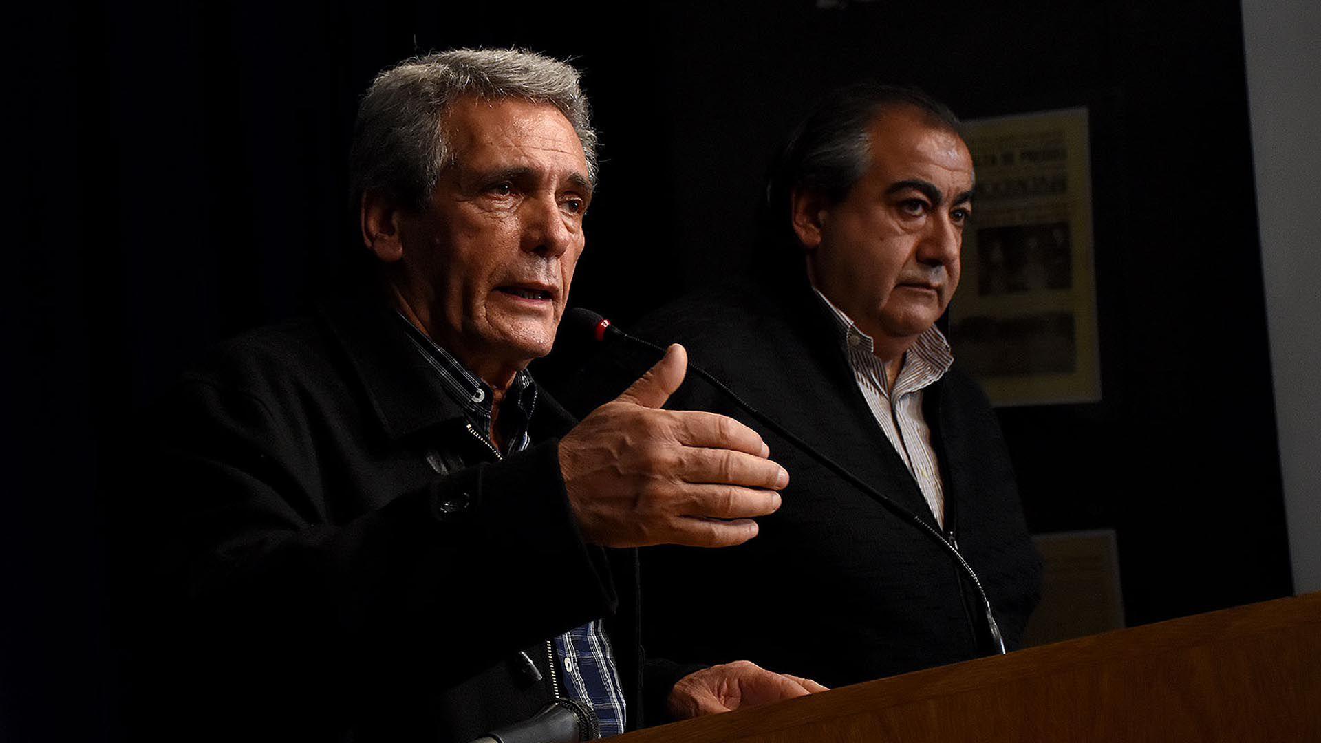 Los líderes de la CGT, Carlos Acuña y Héctor Daer, nuevamenten enfrentados