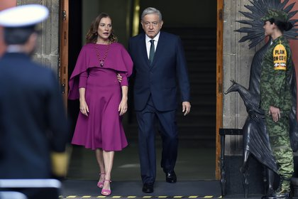 Mussi donó el vestido de Beatriz Gutiérrez Müller para el segundo informe de gobierno de AMLO (Foto: Alfredo Estrella/ AFP)