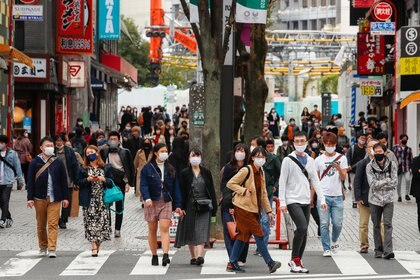 11/08/2020 People with a mask in Tokyo INTERNATIONAL ASIA POLICY JAPAN JAMES MATSUMOTO / ZUMA PRESS / CONTACTOPHOTO