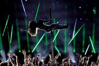 Jennifer Lopez impactó con su aparición en el Super Bowl