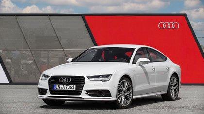 Una de los modelos más grandes de la marca alemana (Audi)