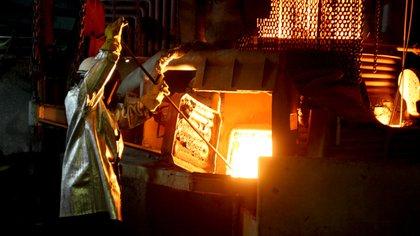 La producción de acero crudo fue en marzo de 423.400 toneladas, un 28% superior respecto de febrero y 47,9% por encima de igual mes de 2020.