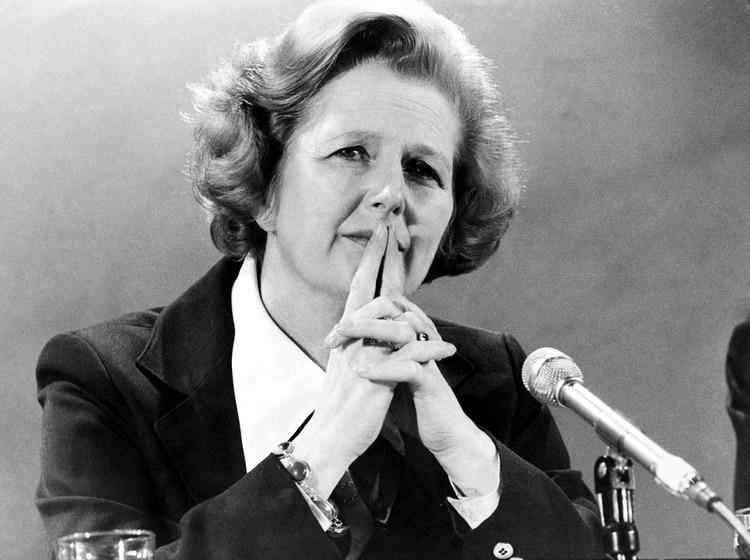 """Margaret Thatcher fue duramente interpelada en el parlamento británico: """"Mucha gente está preocupada ante la posibilidad de que las Fuerzas Británicas no estén haciendo bien las cosas"""", reconoció (Ling/Evening News/Shutterstock)"""