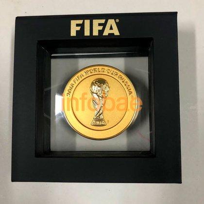 Plaqueta que le entregó la FIFA en el Mundial de Rusia 2018