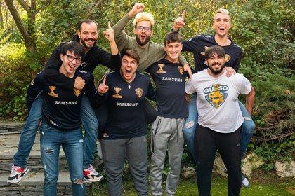 El equipo completo de Team Queso   Foto: @Pato_Sergi