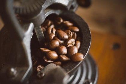 El consumo razonable de café se asocia con un menor riesgo de accidente cerebrovascular y asu vez, cuanto mayor es el consumo de café y cafeína, menor es la incidencia de la enfermedad de Parkinson (Getty Images)