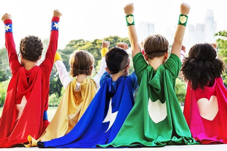 """El """"miedo"""" a la homosexualidad lleva muchas veces a reproducir estereotipos al momento de elegir los juguetes para los niños (Shutterstock)"""
