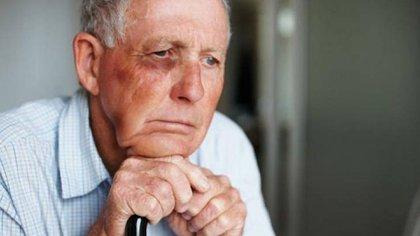 Las consecuencias del maltrato pueden ser especialmente graves porque sus huesos pueden ser más frágiles y la convalecencia más larga