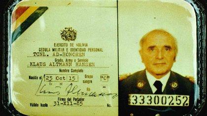 La cédula de la identidad con la que el 'Carnicero de Lyon' llegó a Bolivia.