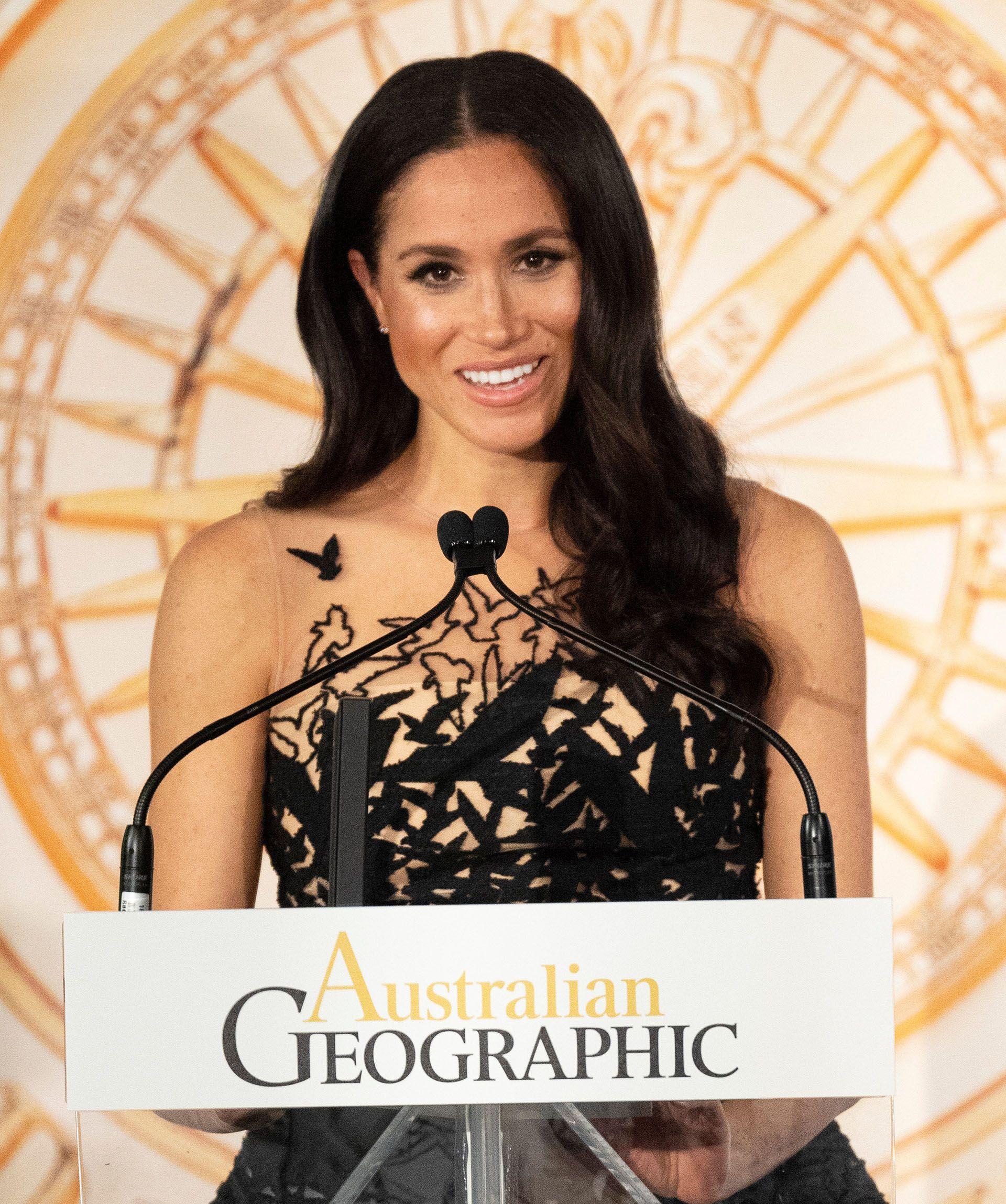 Conun costado social marcado, brindó un discurso durante la premiación, en Sídney, de los Australian Geographic Awards (Paul Edwards / Pool vía Reuters)