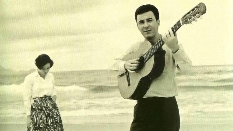 """En 1958, Joao Gilberto filmó la canción que lanzó a la fama el bossa nova """"Chega de Saudade"""" (Foto: Archivo)"""