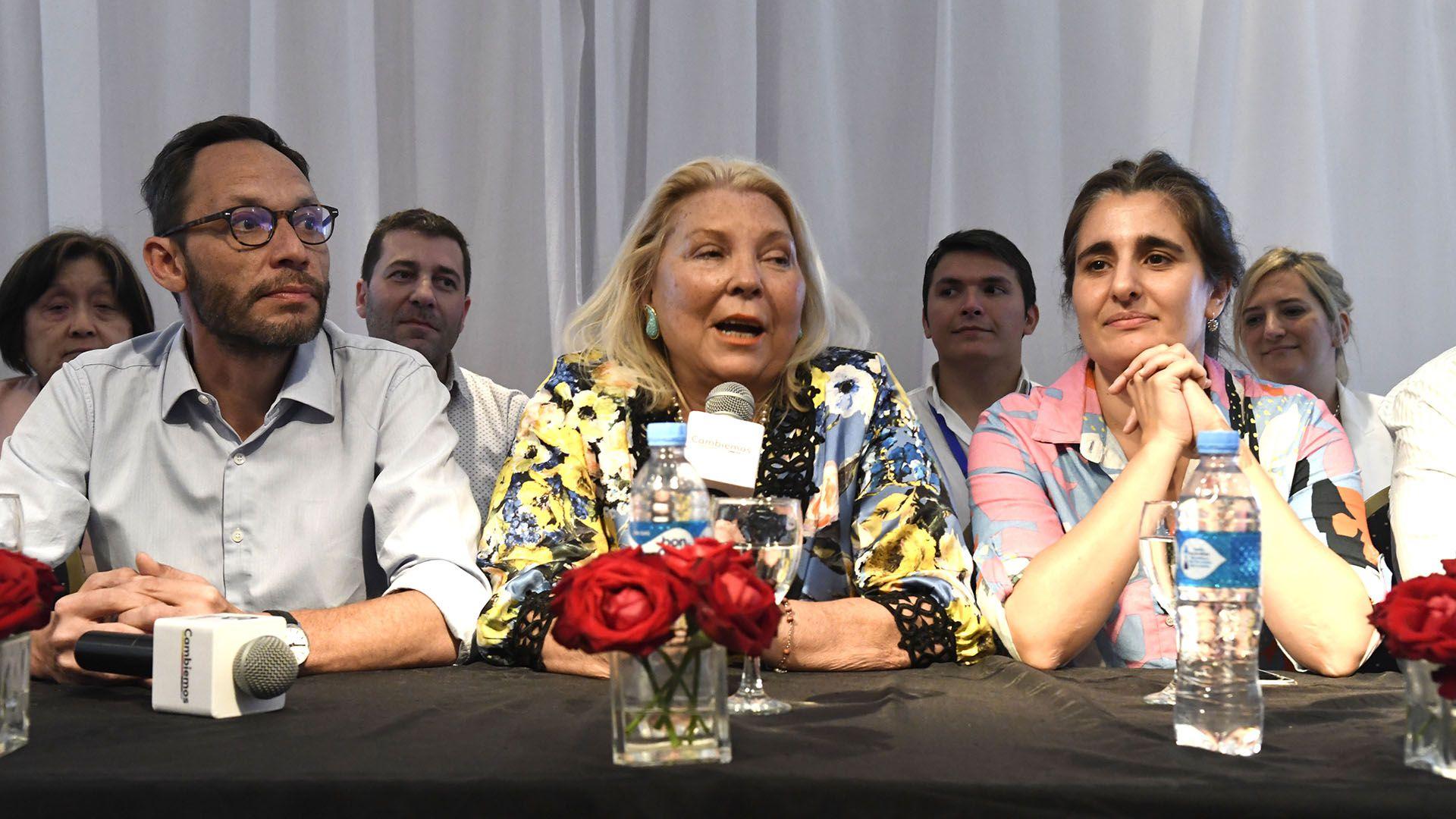 Elisa Carrió y Maxi Ferraro, durante un congreso de la Coalición Cívica